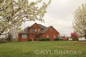 Kentucky Homes and Farm Land for sale